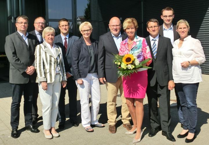 Der neue geschäftsführende Kreisvorstand mit Steffen Kampeter MdB.