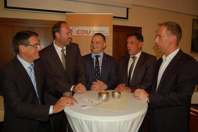 v.l.n.r.: Dr. Oliver Vogt, Sven Öpping, Frank Fuhrmann, Michael Behrens und Meik Blase (Foto: Mindener Tageblatt - Carsten Korfesmeyer)