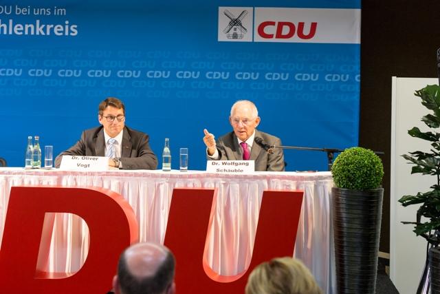 Bundestagskandidat Dr. Oliver Vogt und Bundesfinanzminister Dr. Wolfgang Schäuble in Porta Westfalica