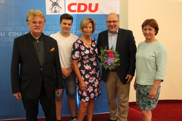 v.l.n.r.: Elmar Brok MdEP; Leander Brand (Schüler-Union); Kirstin Korte MdL und Kreisvorsitzende; Steffen Kampeter (Hauptgeschäftsführer BDA); Bianca Winkelmann MdL