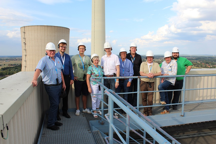 Mitglieder der CDU Kreistagsfraktion am Kraftwerk Lahde