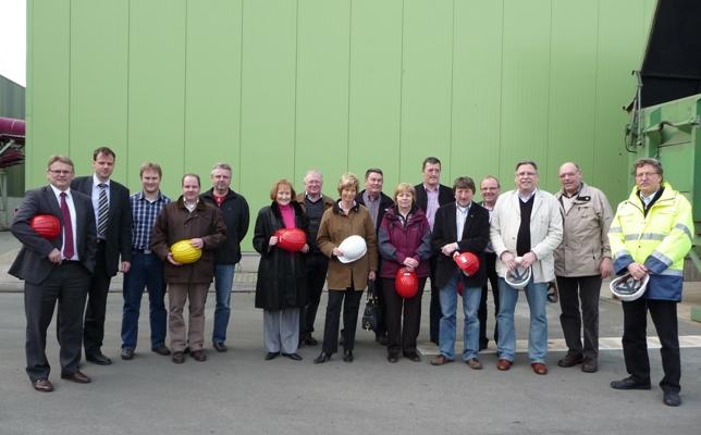 Die Mitglieder der Kreistagsfraktion mit Werkleiter GVOA, Burkart Schulte (rechts)